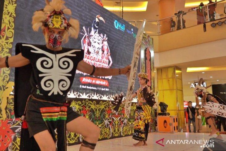 PLN UIW Kalselteng dukung pagelaran seni budaya Dayak Borneo
