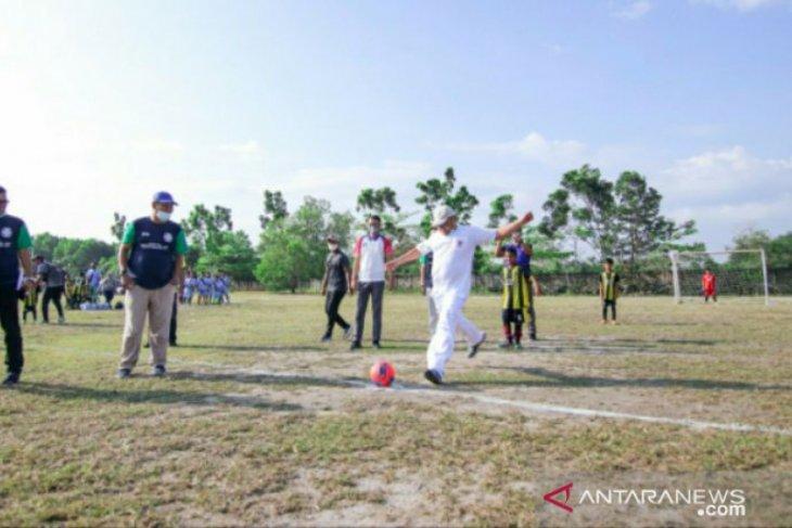 Kick Off Gubernur Babel tandai mulainya Festival Sepak Bola