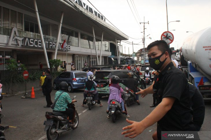 Kepanikan Akibat Gempa di Malang