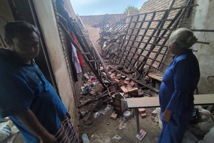 700 Tagana diterjunkan ke lokasi bantu korban gempa Malang