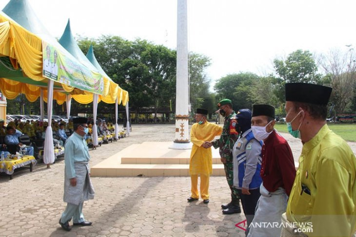 Peringati hari jadi, Bupati Aceh Tamiang dan undangan kenakan pakaian adat melayu
