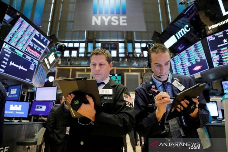 Wall Street berakhir melonjak dan indeks Nasdaq melambung 2,32 persen