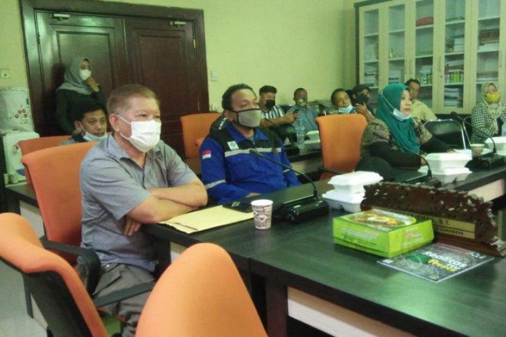 Sejumlah rumah warga di Kota Surabaya retak akibat pembangunan gedung