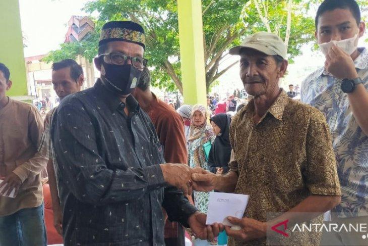 Ribuan anak yatim dan fakir miskin terima bantuan dari Pemkab Aceh Jaya