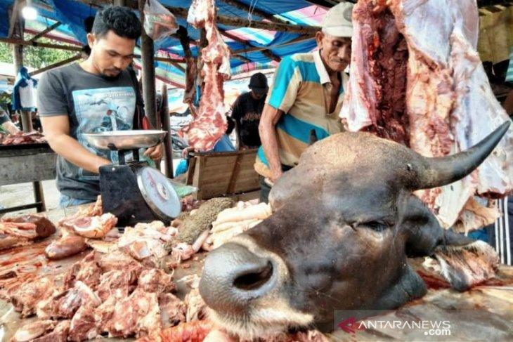 Pemkab Aceh Barat tidak sediakan lapak jualan saat tradisi meugang. Ini alasannya