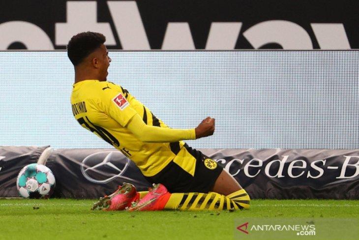 Dortmund amankan tiga poin penuh  dari markas Stuttgart