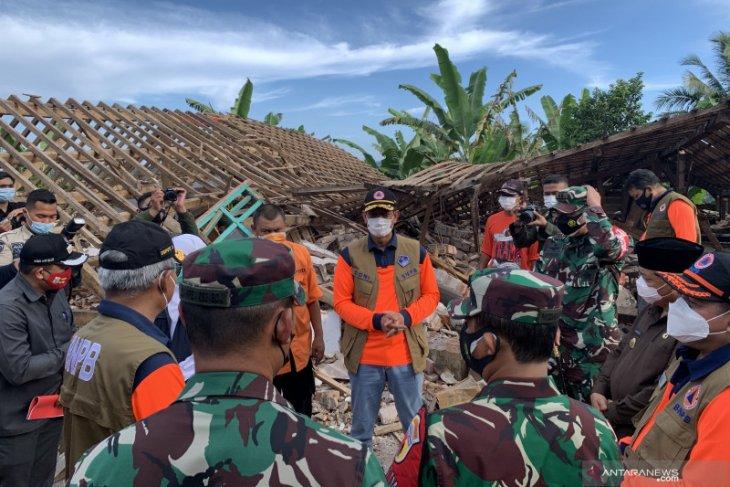 Kepala BNPB Doni Monardo tinjau lokasi bencana gempa di Malang
