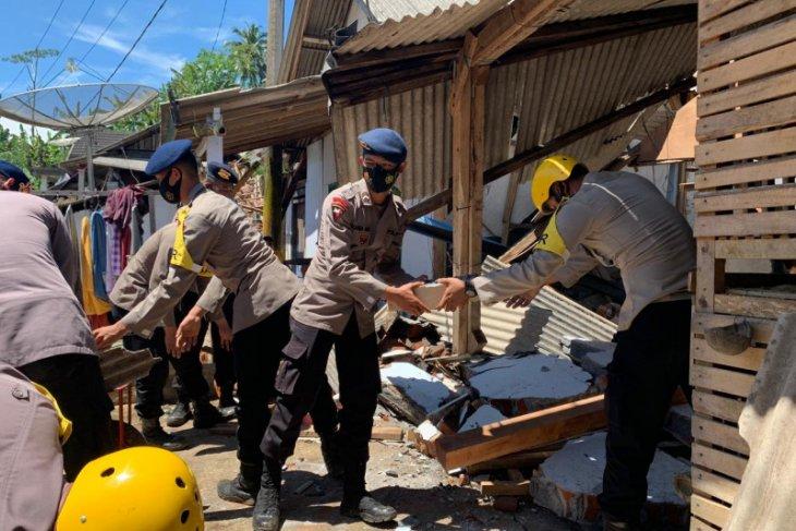 Brimob Polda Jatim diterjunkan bantu penanganan gempa di Lumajang