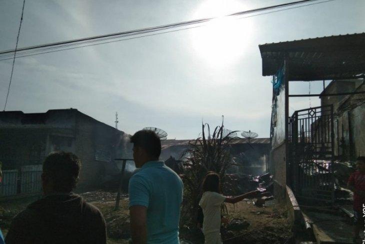 Gudang sayur dan empat rumah di Saribudolok Simalungun terbakar