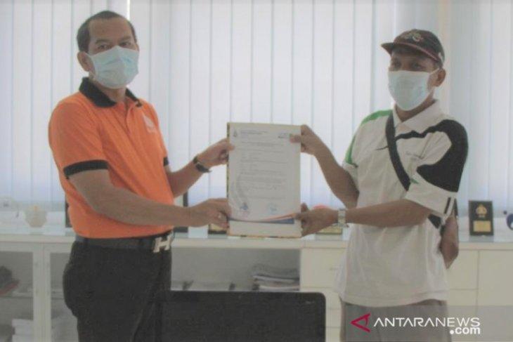 ITB STIKOM Bali bantu Pertuni dengan komputer aplikasi khusus