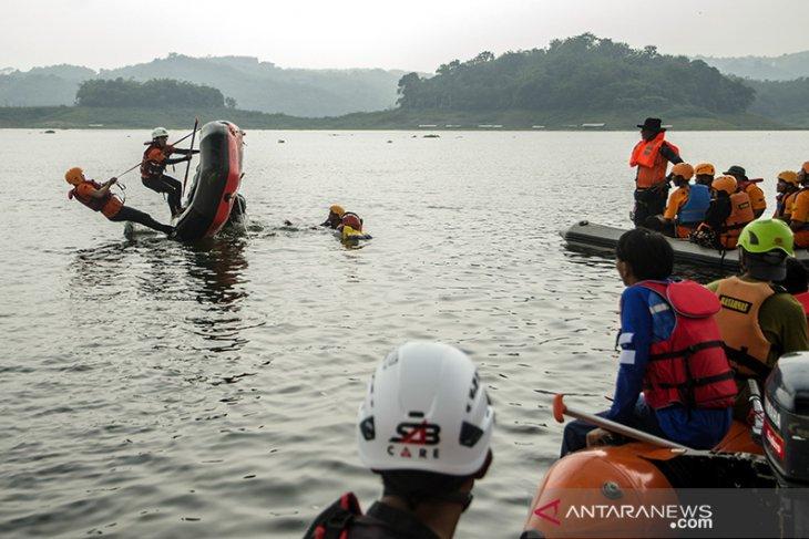 Pelatihan tanggap bencana kawasan perairan
