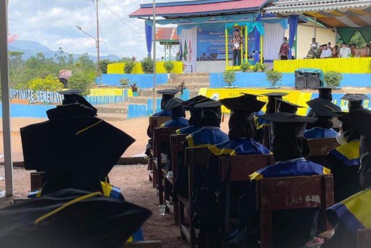 Wakil Bupati Kapuas Hulu minta lulusan pesantren sebarkan nilai toleran