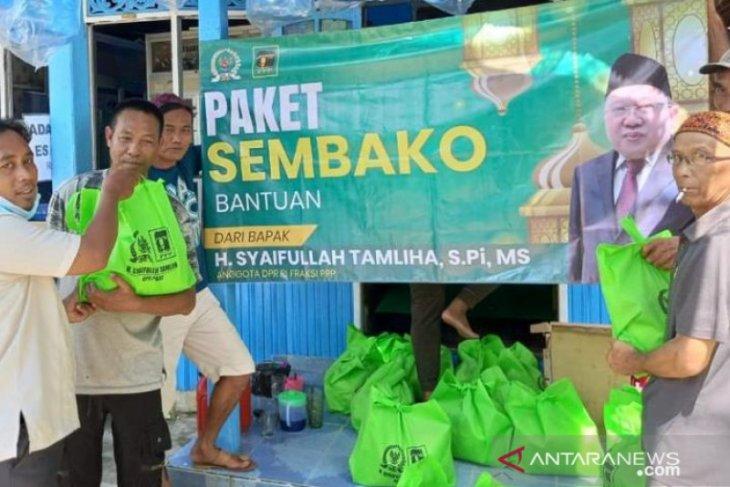 Sambut Bulan Ramadhan, Syaifullah Tamliha bagikan ribuan paket sembako