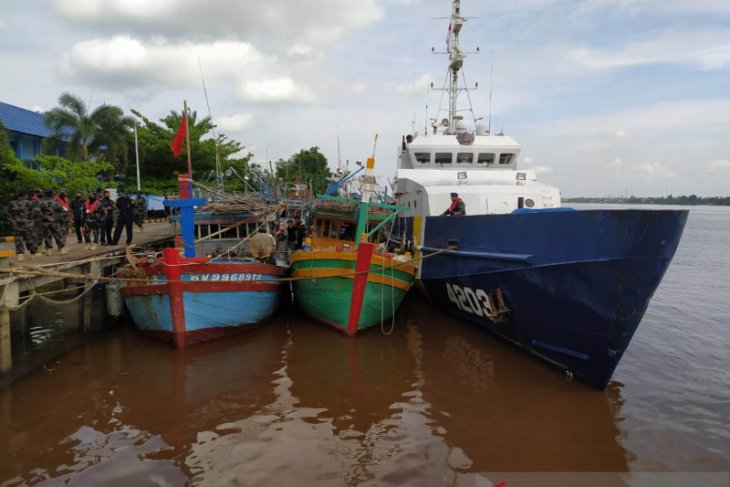 Five Vietnamese-flagged fishing boats detained by KKP in Natuna waters