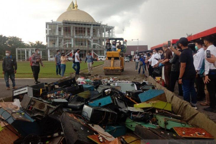 Polda Kalbar musnahkan barang bukti hasil Operasi Pekat Kapuas 2021