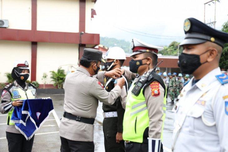 Kapolda Malut pimpin gelar pasukan operasi keselamatan Kieraha 2021