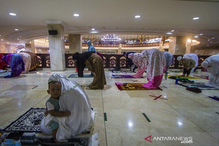 Shalat Tarawih Pertama di Banjarmasin