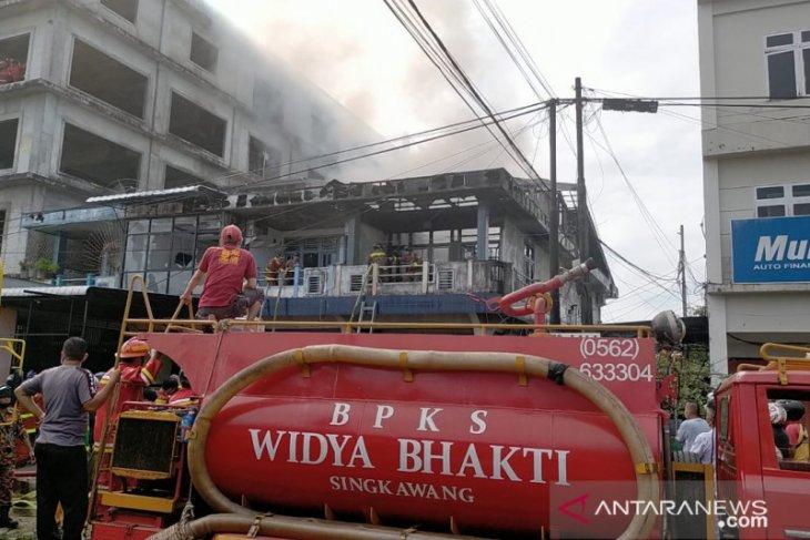 Pasangan suami istri tewas dalam ruko terbakar di Singkawang