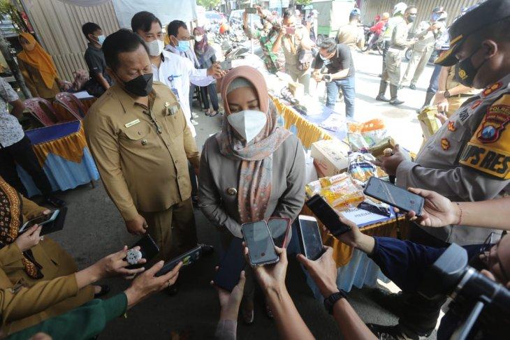 Ning Ita wajibkan warga Mojokerto jalankan prokes 5M saat Ramadhan