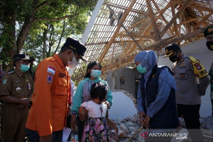 Khofifah: Bantuan hunian sementara korban gempa untuk cegah klaster baru COVID-19