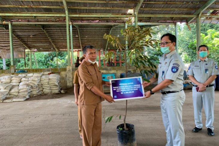 Hijaukan Kota Serang, Jasa Raharja Banten bantu 100 pohon produktif