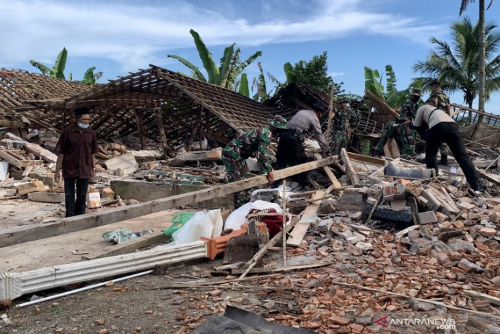 Gempa Malang menyisakan trauma bagi korban