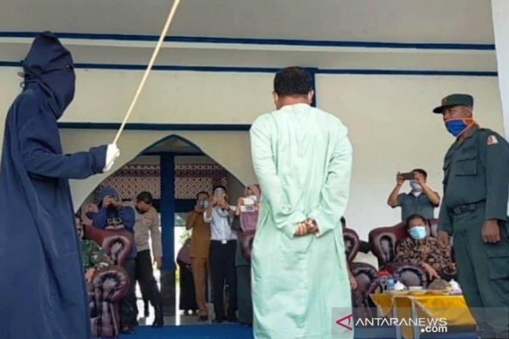Pelaku pelecehan seksual di Nagan Raya dihukum cambuk 36 kali