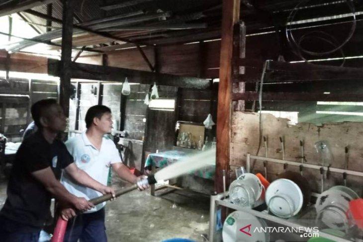 Ditinggal pergi saat bakar kulit kerbau, rumah warga Woyla Aceh Barat terbakar