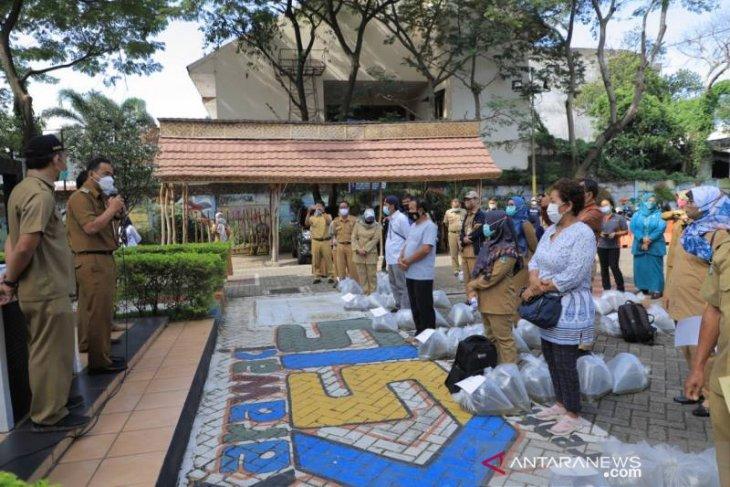 Pemkot Tangerang bagikan 104.000 ekor benih lele ke warga