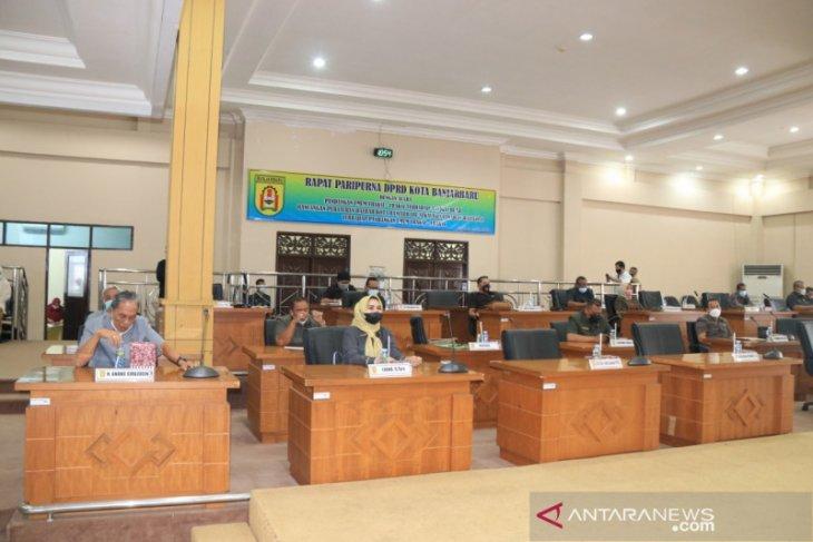 Anggota DPRD hadiri rapat paripurna pemandangan umum fraksi