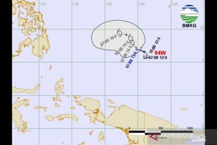 BMKG sebut bibit siklon 94w berpotensi jadi siklon tropis sangat tinggi