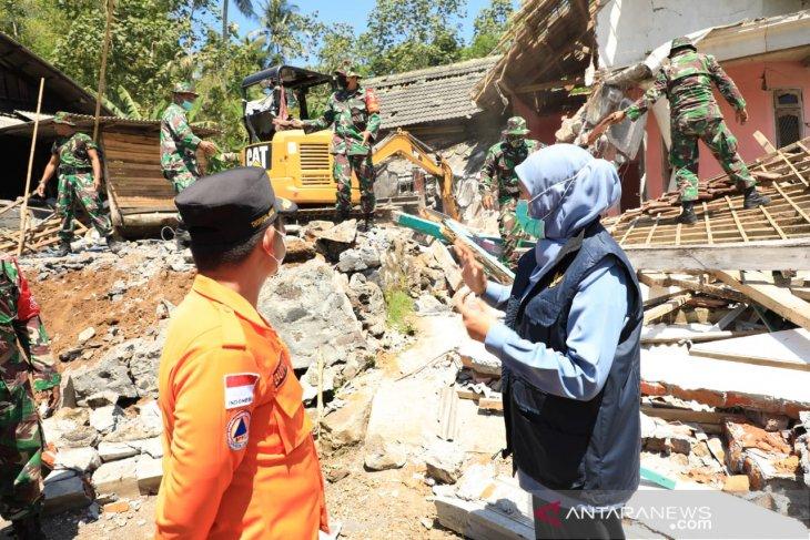 Data terbaru, korban meninggal akibat gempa di Lumajang ada enam orang