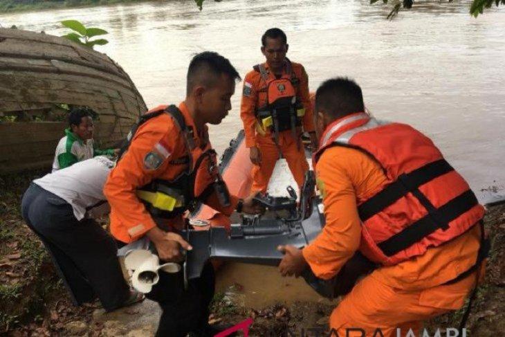 Basarnas imbau warga di bantaran sungai waspada saat beraktifitas