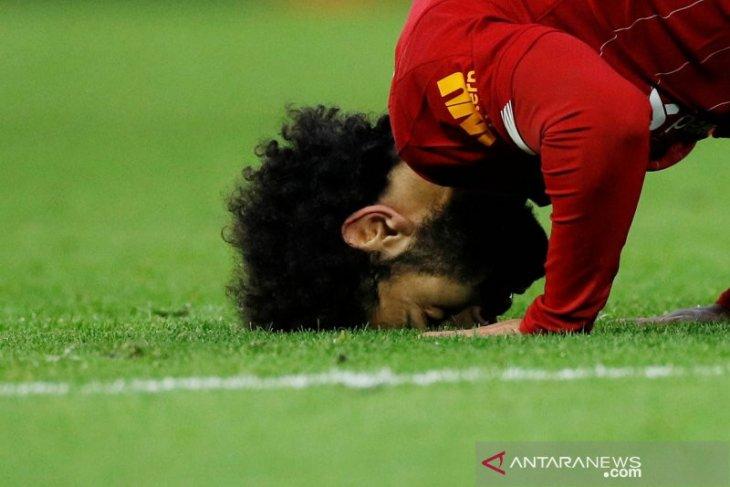 Mo Salah sambut Ramadan, Ozil rilis koleksi fesyen