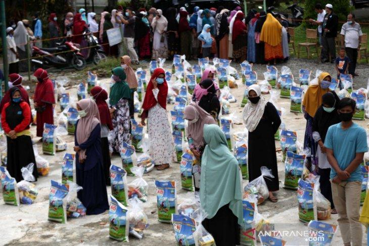 Distribusi Bantuan Sembako Muslim Eropa