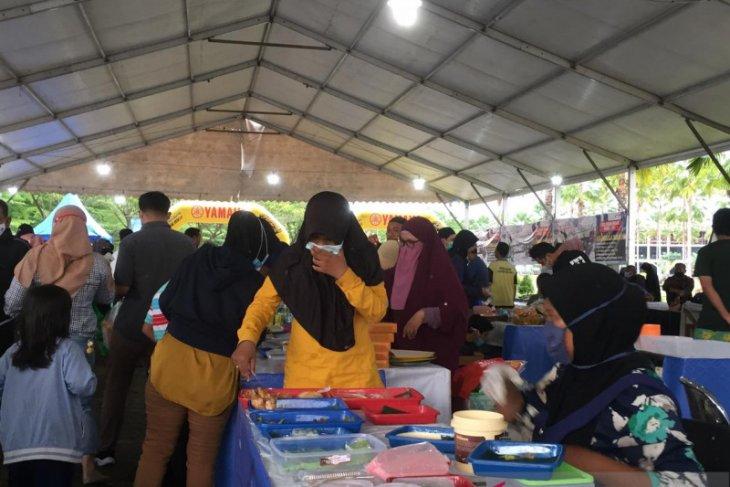 Penjual juadah Ramadhan di Pontianak bersyukur bisa berjualan