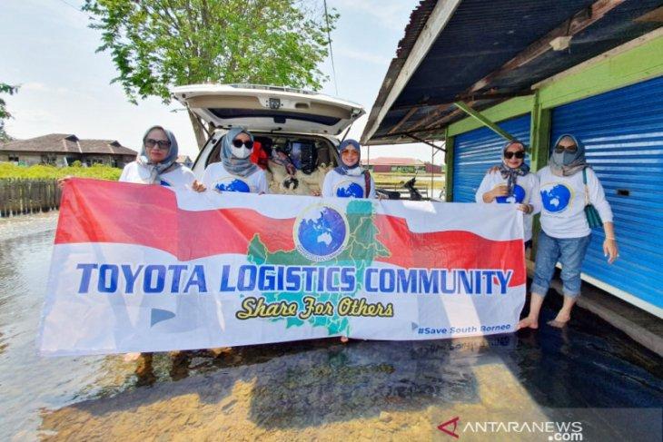Srikandi TLC sambangi warga terdampak banjir untuk salurkan bantuan