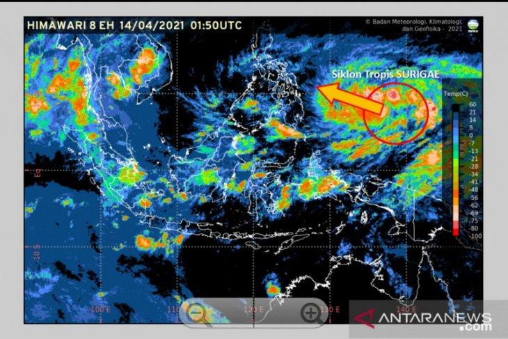 Siklon Surigae bergerak menjauhi wilayah Indonesia
