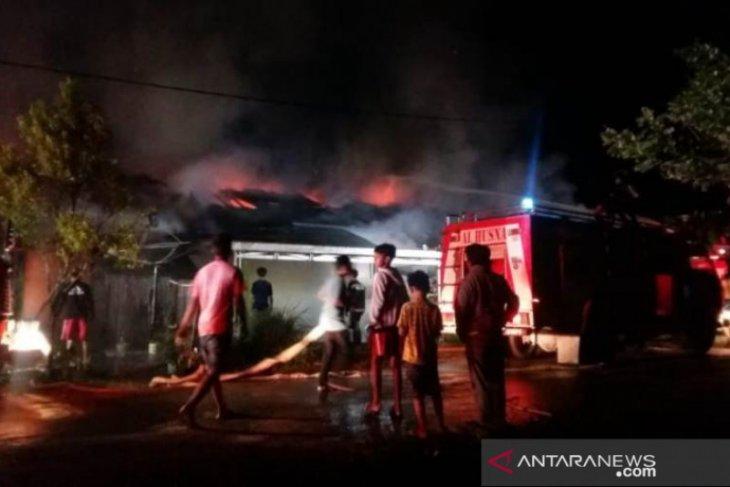 Kebakaran asrama Polisi Paharuangan HSS diduga karena arus pendek