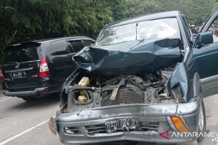 Tabrakan beruntun libatkan tujuh kendaraan dua orang tewas