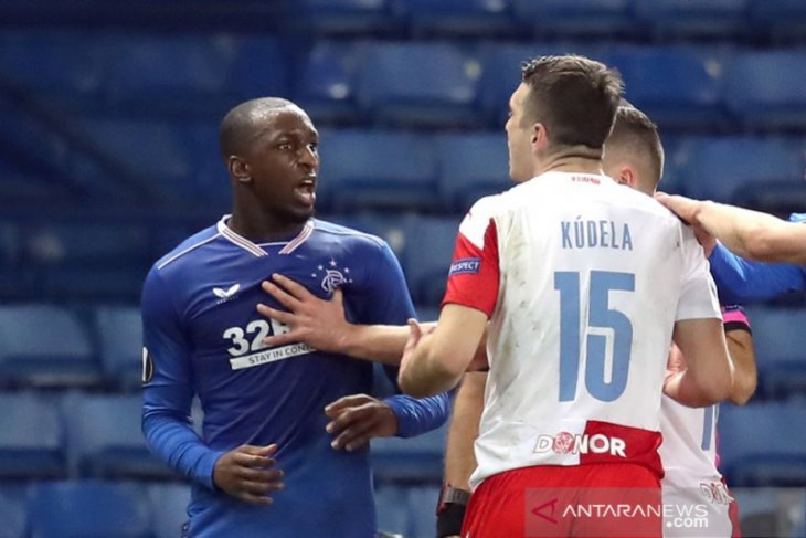 Rasis, bek Slavia Praha Ondrej Kudela diskors 10 laga