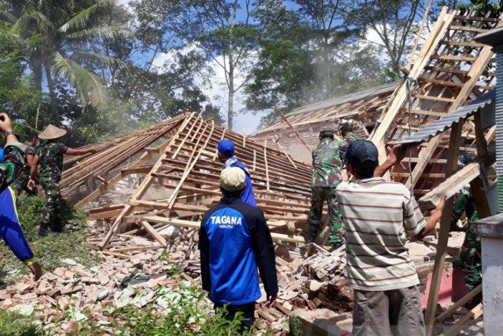BPBD Blitar taksir kerugian akibat gempa capai Rp6,5 miliar