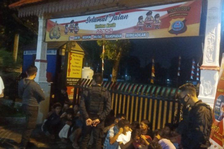 Polisi amankan puluhan remaja terlibat tawuran