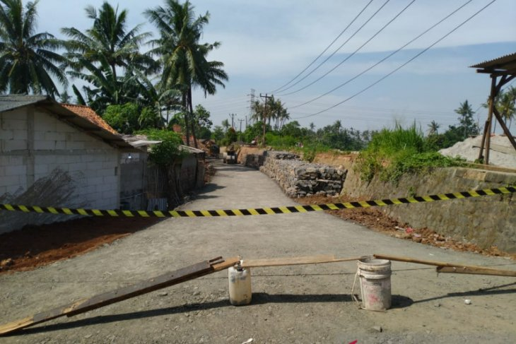 Pemkab  bangun jalan alternatif di Desa Tanjung Burung Tangerang