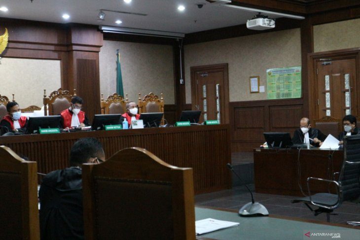 Mantan Menteri Kelautan Edhy Prabowo didakwa terima suap Rp25,75 miliar