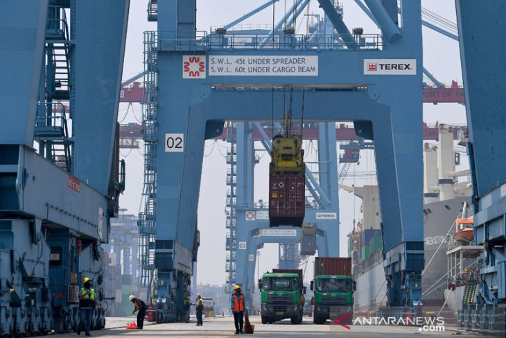 Indonesia booked trade surplus of US$2.36 billion in May 2021