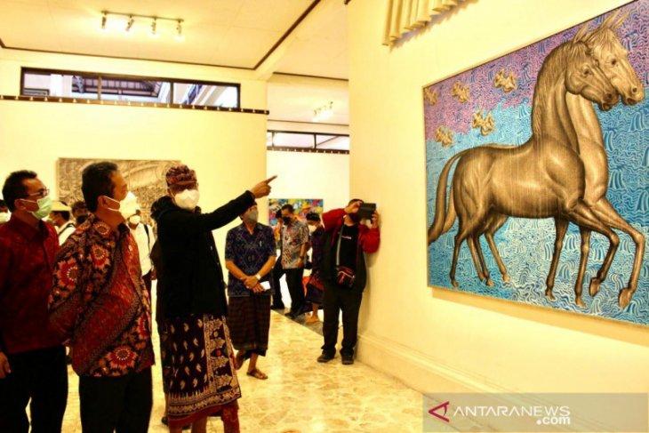 Menteri Kelautan dan Perikanan apresiasi 35 lukisan Prof Kun Adnyana