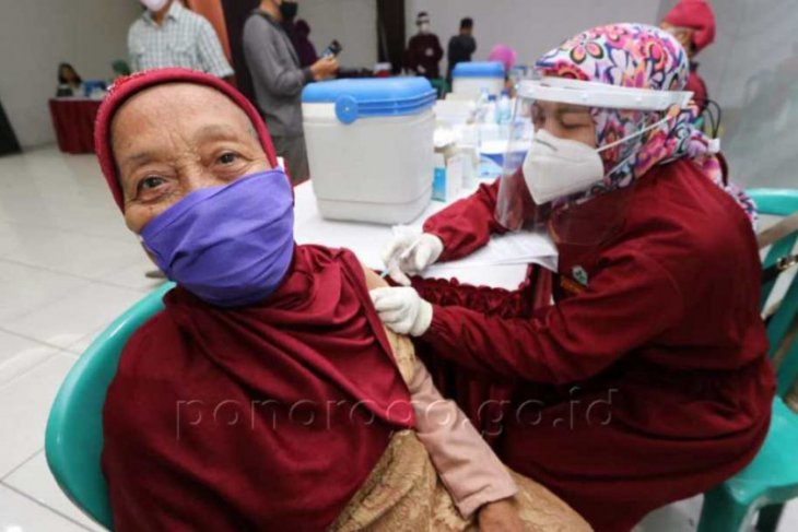 Dinkes Ponorogo lanjutkan vaksinasi di 17 puskesmas selama Ramadhan