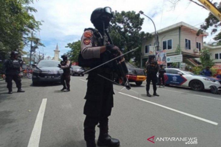 Flash - Densus tembak mati seorang terduga teroris di Makassar