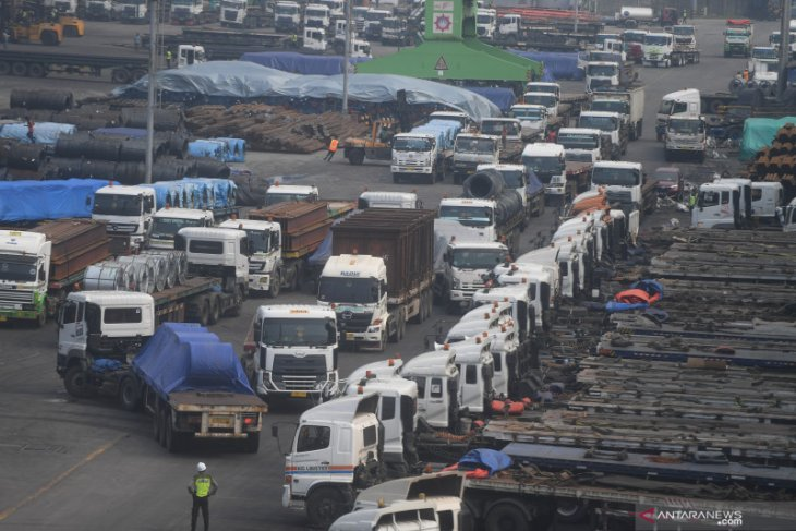 Surplus neraca perdagangan RI bantu pendapatan negara